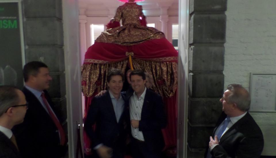 Openingsact bedrijfsfeest | De Rode Lopers